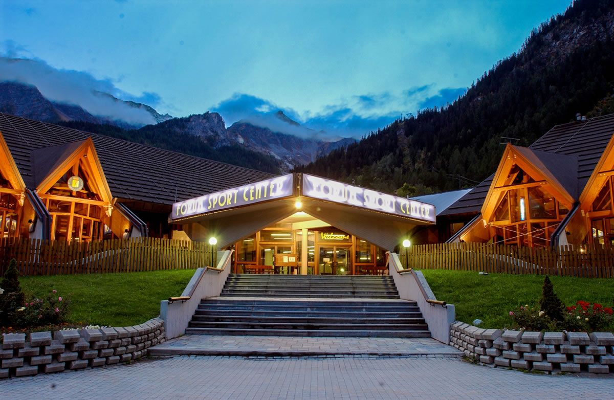 INART - Complesso Sportivo - Palaghiaccio Courmayeur